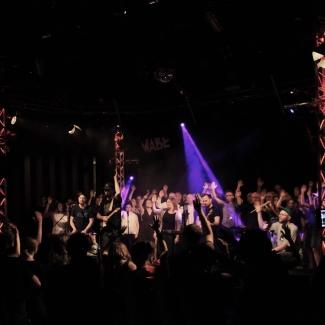 Flonske Wabe Chor live Hände hoch